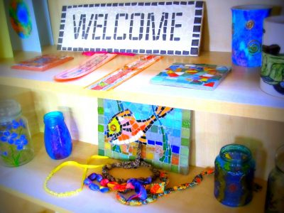 Mosaics craft at day hospice